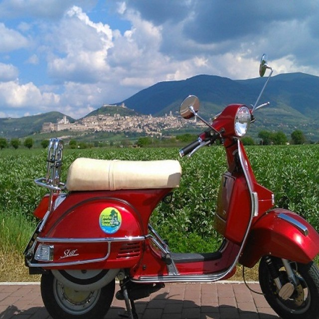 Vespa Umbria Scooter Rental