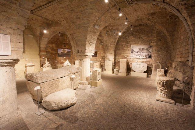 il fascino suggestivo delle domus romae di assisi