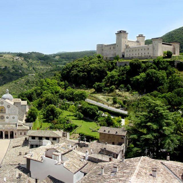 Panorama-del-Duomo-e-della-Rocca-Albornoziana-di-Spoleto