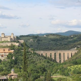 Regalate al vostro partner un magico weekend romantico a Spoleto!