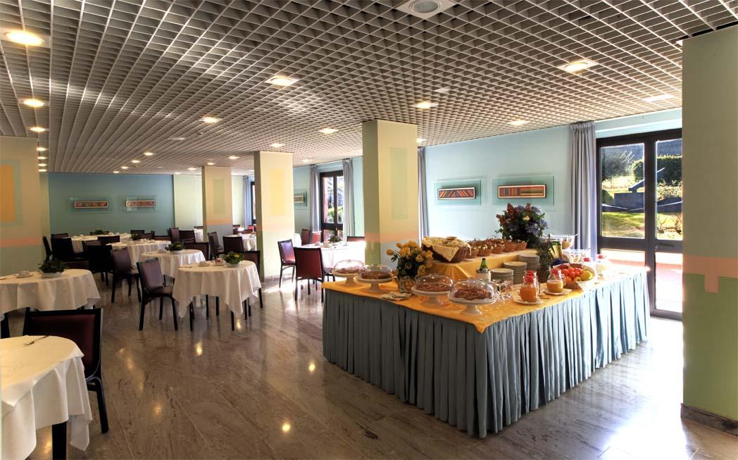 Prenotando direttamente con noi potete approfittare dell'offerta pasto in hotel dell'Albornoz Palace Hotel!
