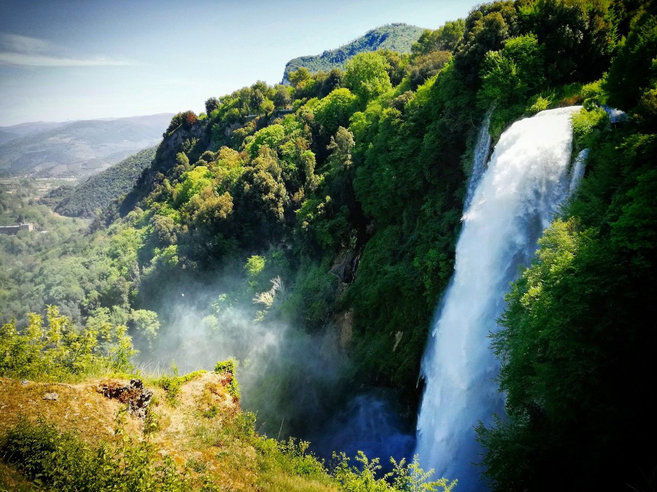 waterfall-2817992_1920